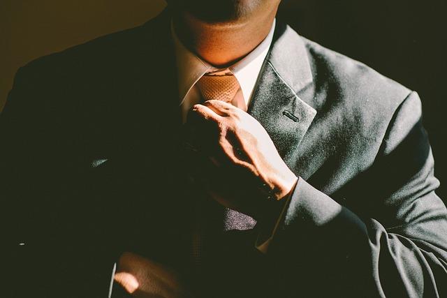 kravata muže