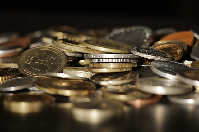 drobné mince, lesk